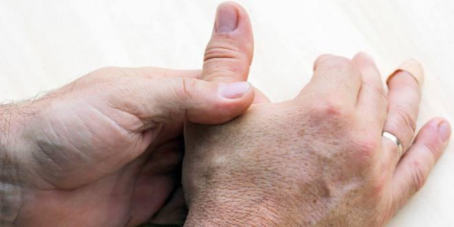 schmerzen zwischen daumen und zeigefinger