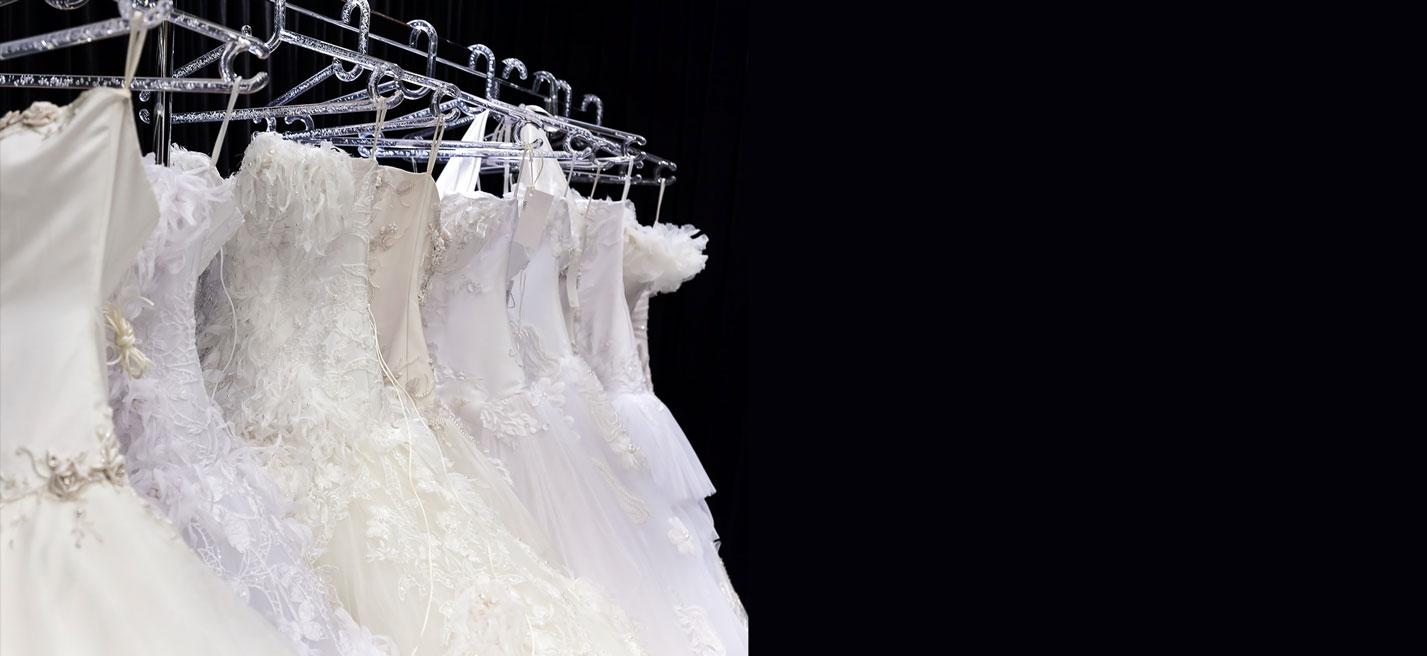 Professionelle Reinigung Von Brautkleidern Und Hochzeitsanzügen