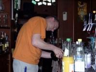 Alchemist beim mixen