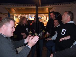 Abfeiern im Party-Zelt