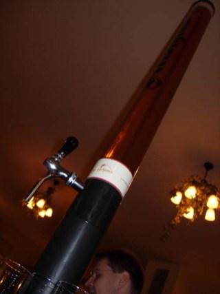 5l Bier ... auch die passen in Köln in eine Stange ;)