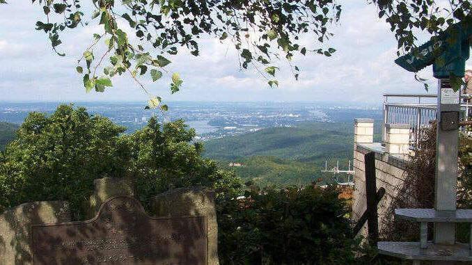 678px_oelberg_siebengebirge_vista_bonn2