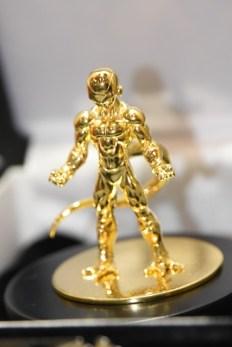 Dragon-Ball-Chara-Hobby-Golden-Freeza-Pure-Gold-6