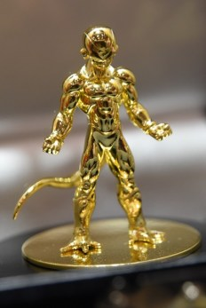 Dragon-Ball-Chara-Hobby-Golden-Freeza-Pure-Gold