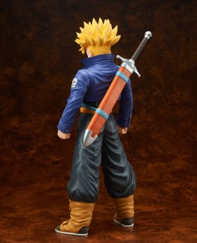 gigantic-series-trunks-super-saiyan-03