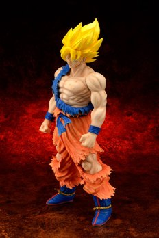 Gigantic-Series-Son-Goku-SS-Damaged-Ver-1