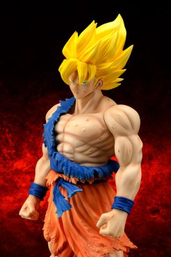 Gigantic-Series-Son-Goku-SS-Damaged-Ver-4