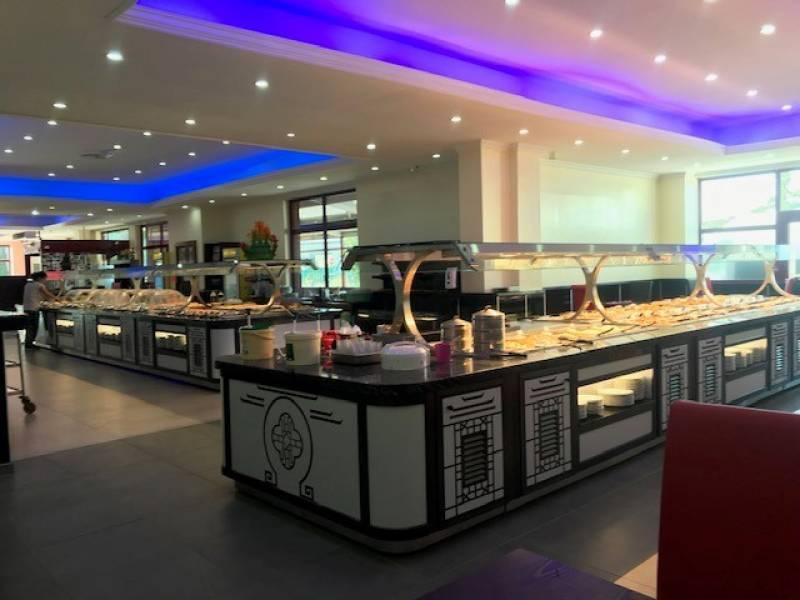 la grande salle du restaurant dragon imperial a plan de campagne dragon imperial