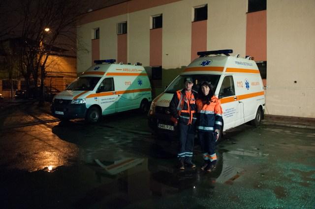 Dr. Carniciu George și Asist. Jianu Tomița - Fotoreportaj: 15 ore pe ambulanță