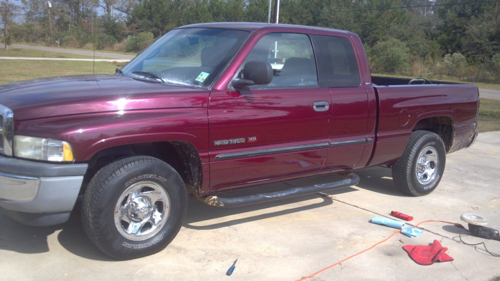 medium resolution of maroon 2001 dodge ram 1500 quad cab short bed 318