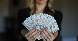 Draguer quand on est pauvre : faut-il avoir de l'argent pour séduire les filles ? drague sans argent même quant on n'a pas de thunes