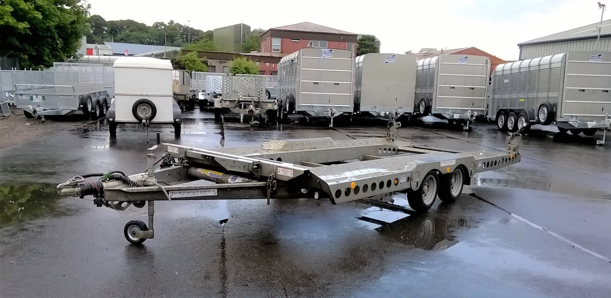 all used trailers d