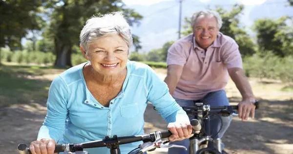 blog resim, yaşlı çift, binicilik bisikletler