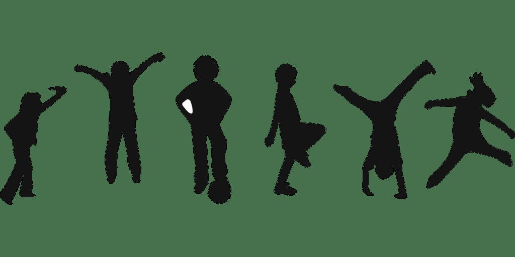 el blog silueta de los niños que juegan varios deportes