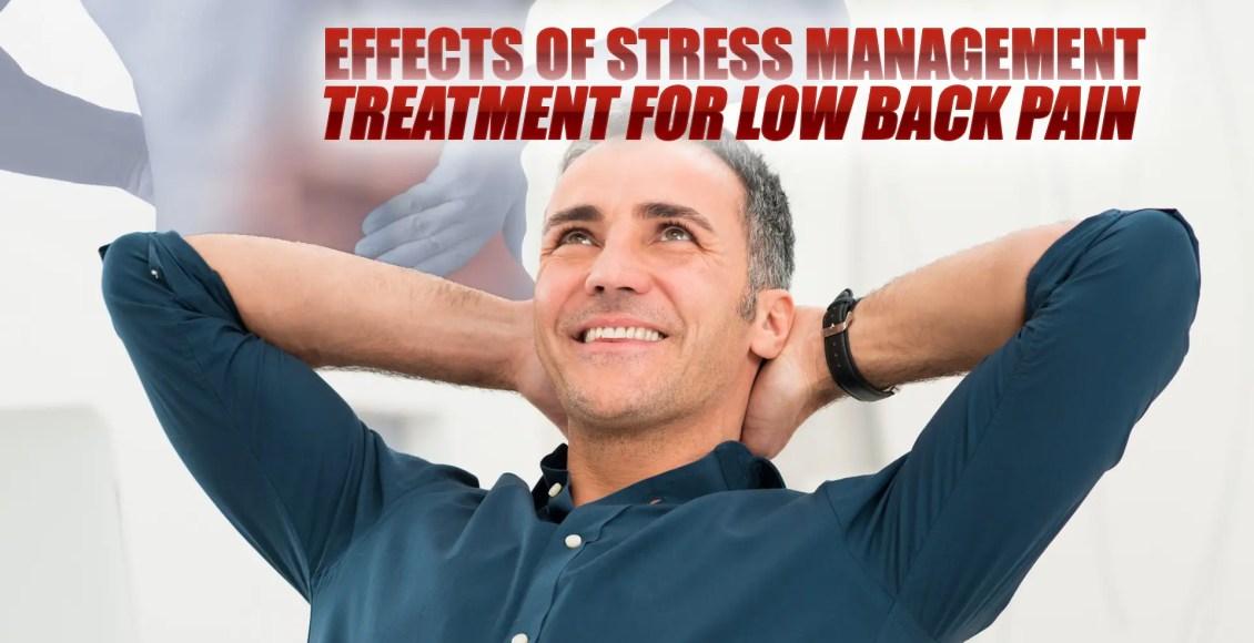 Imagen de un hombre feliz en una posición relajada después de experimentar los efectos del tratamiento de manejo del estrés para el dolor lumbar.