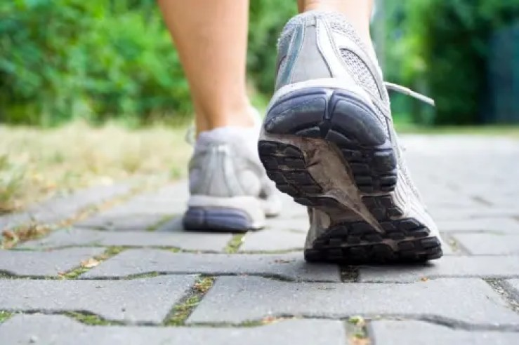 Beneficios para la salud caminando proporciona el paso tx.