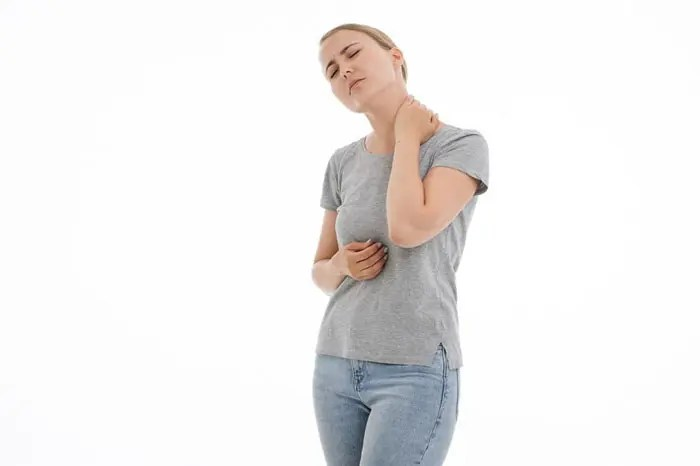 11860 Vista Del Sol, Ste. 128 Síntomas de lesión por latigazo cervical tardía