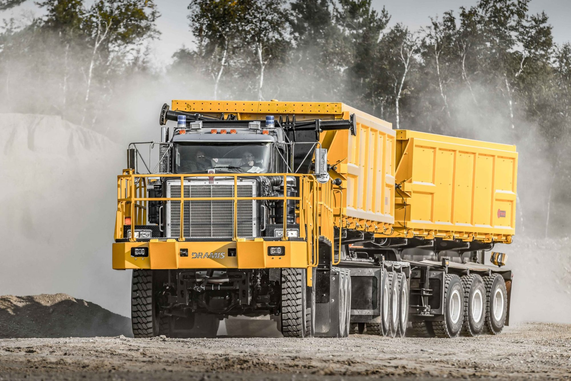 hight resolution of dramis d150t haul truck for mining