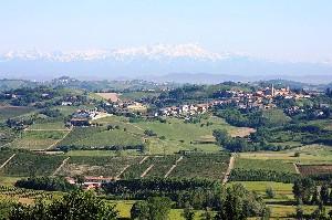 Piemonte: Matterhorn, Monte Rosa, en Castelnuovo Calcea
