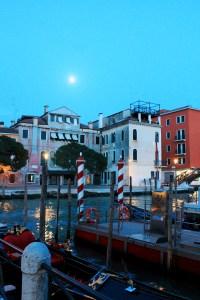 Venise-de-nuit-Voyager-en-Italie_by-Drawingsandthings