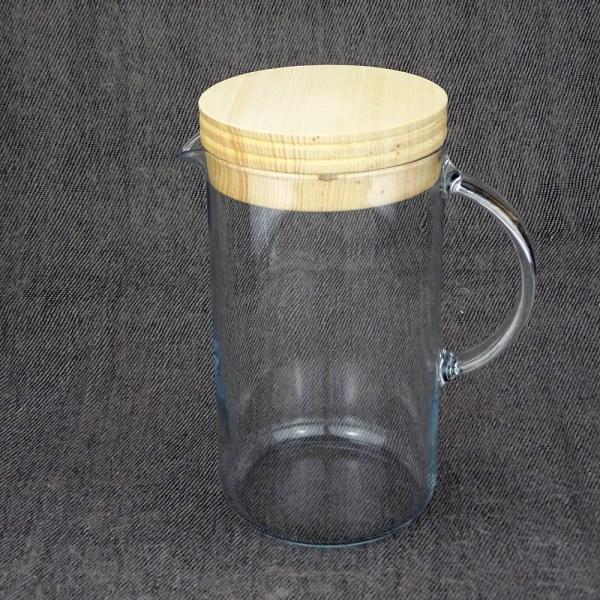 Wasserkaraffe mit Zirbendeckel