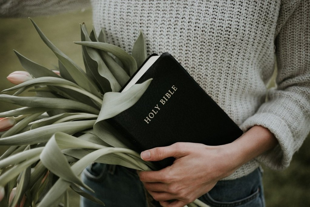 10 Scriptures for the Journey Through Grief