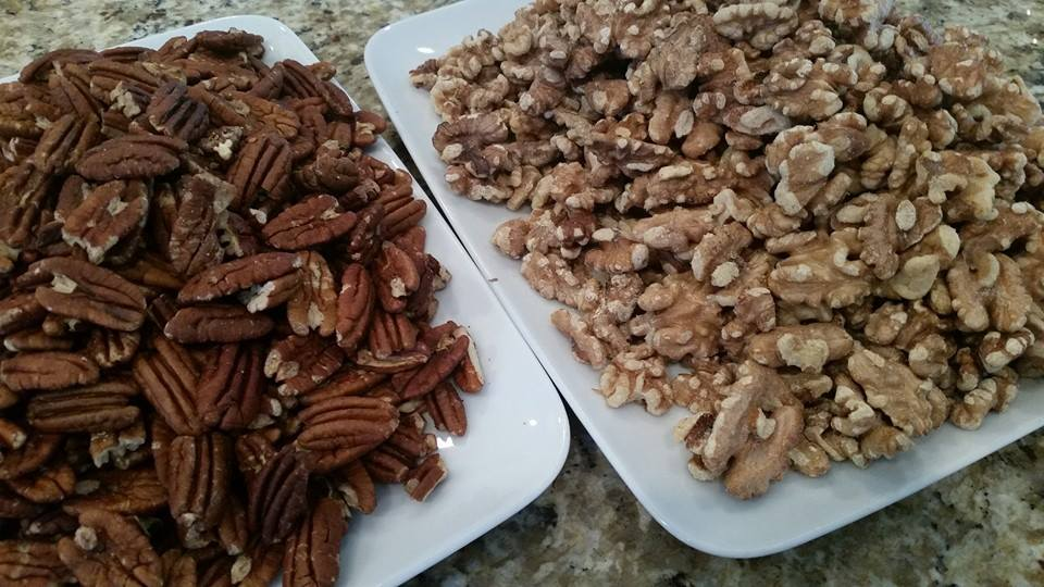 roasted-pecans-and-walnuts