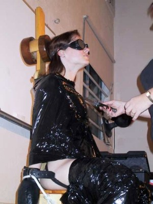 sensory deprivatio in BDSM2