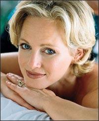 Blond-woman-face