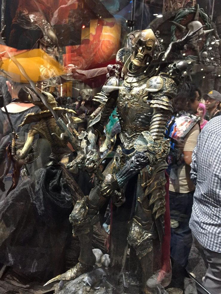 sdcc17 courtofthedead16 - #SDCC17: Bow Before Sideshow's Court of the Dead; New Hulk, Aliens, and More!