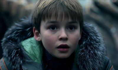 Lost inspace - Danger, Will Robinson! Netflix's Lost in Space Reboot Gets Trailer and Poster