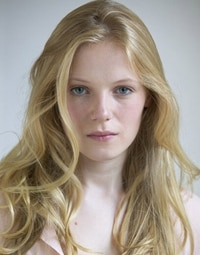 emmabell - The Walking Dead Adds Frozen Star Emma Bell to its Cast
