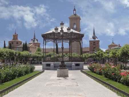 Plaza de Cervantes 08
