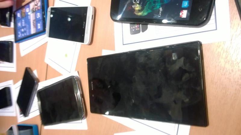 Lumia 1030 Xperia togari HTC M4