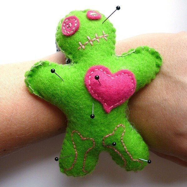 001-Voodoo-Pin-Cushion-Dream-A-Little-Bigger