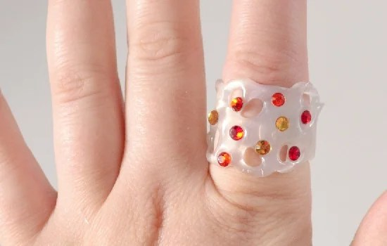 Make Jewelry Out Of Hot Glue This Is Awesome