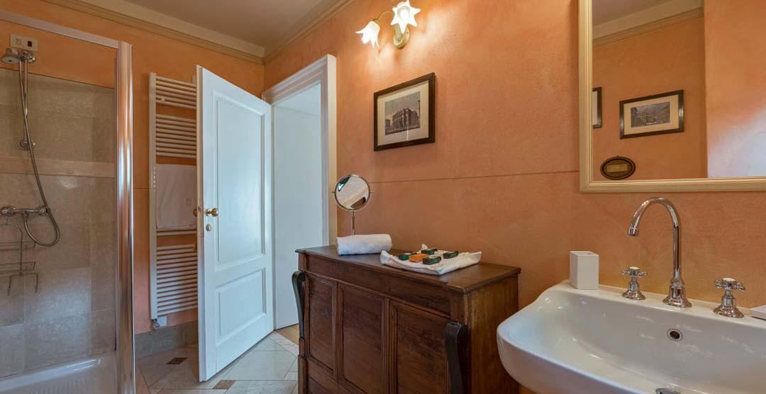 Villa Camilla Santa Maria Rezzonico. Lombardy. Lake Como. Holiday Letting. Vacation Rentals Italy