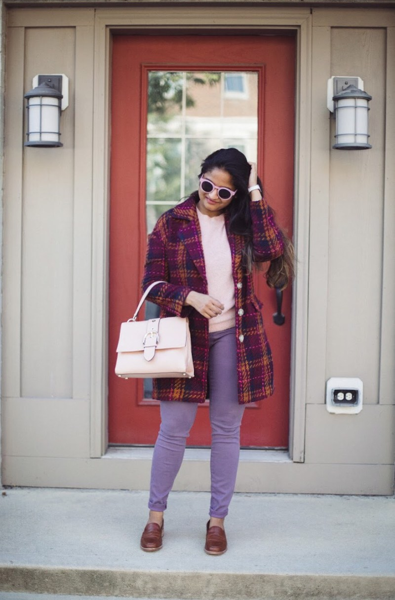 Lifestyle blogger Surekha of dreaming loud sharing 3 unique ways to wear lilac or purple jeans