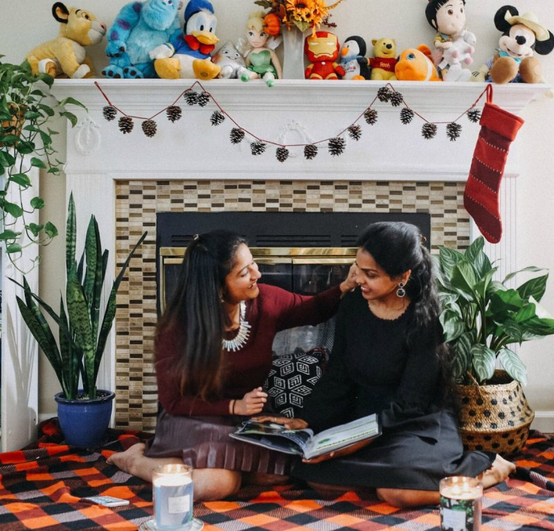 Lifestyle blogger Surekha of Dreaming Loud celebrating Thanksgiving with friends
