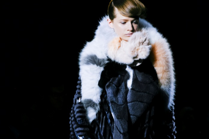 fendi-fw15-fur-couture-runway-paris-title