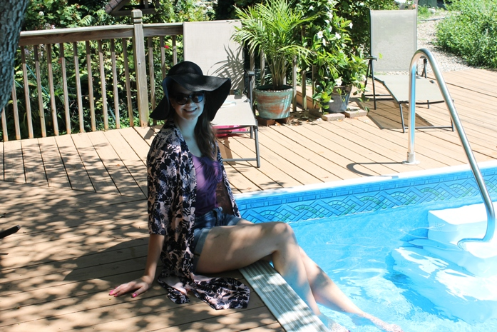 boohoo-outfit-of-the-day-poolside