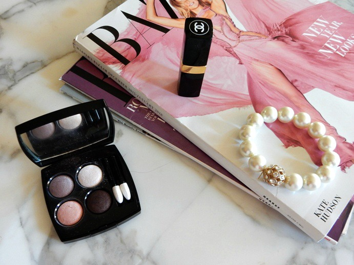 chanel-tisse-camelia-eyeshadow-quad-review-dream-in-lace