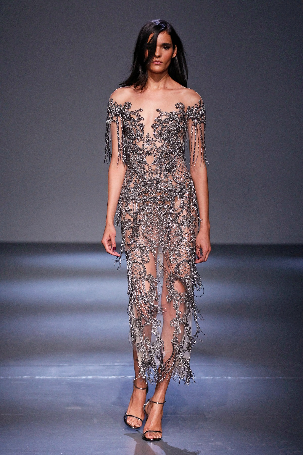 Pamella Roland Fall 2018 Runway I Barogue Metallic Fringe Gown #NYFW #WinterFashion