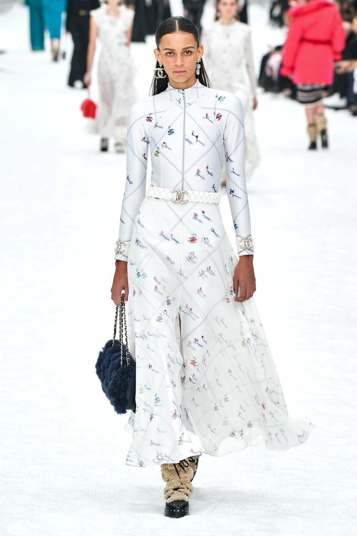 Best Paris Fashion Week Looks - Chanel Fall 2019 Runway Collection #PFW #FashionWeek