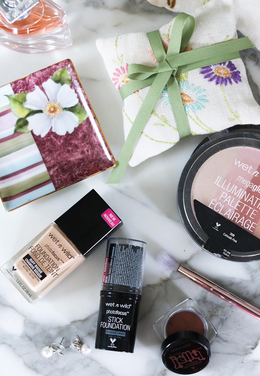 Wet n Wild Photo Focus Stick Foundation Review I DreaminLace.com #DrugstoreMakeup #beautytips #crueltyfree