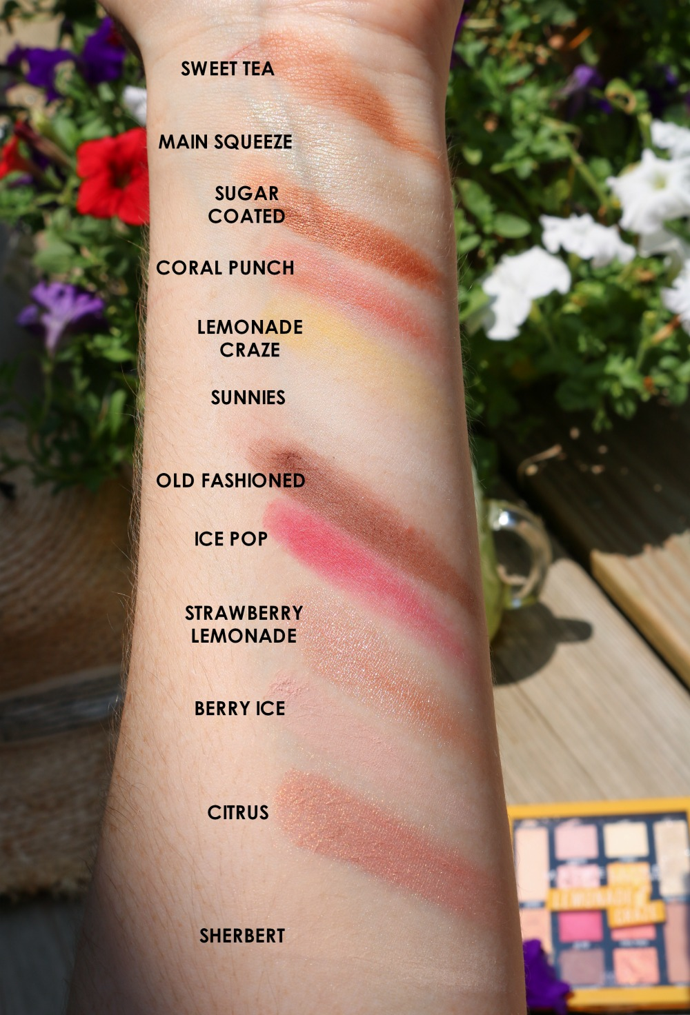 Maybelline Lemonade Craze Eyeshadow Palette Review I DreaminLace.com #Maybelline #DrugstoreMakeup #SummerMakeup #BeautyBlogger