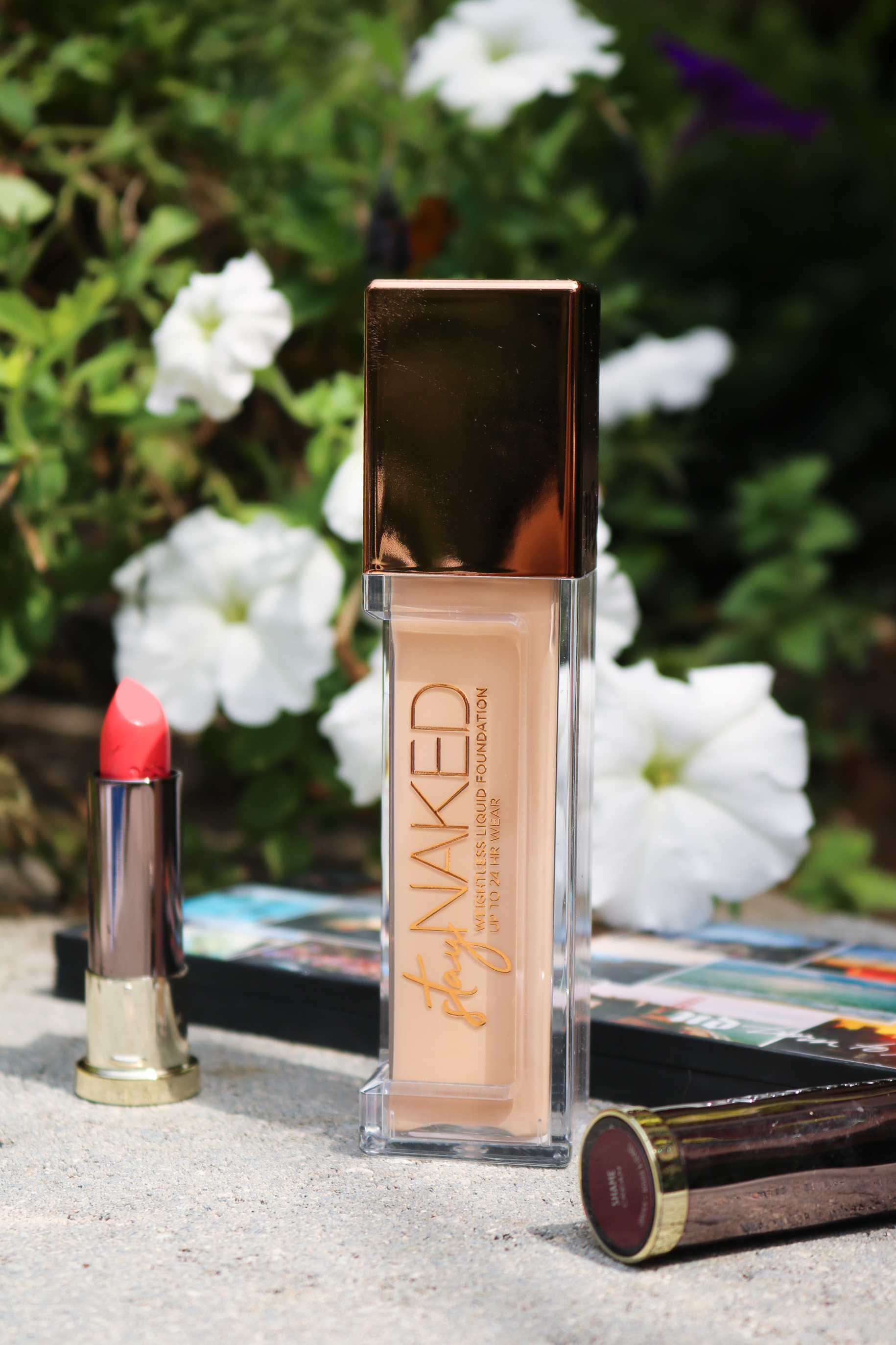 Urban Decay Naked Weightless Foundation Review I The most overrated foundation of all time? #urbandecay #veganmakeup #beautytips #beautyblog #makeupblog #makeup