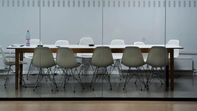 image - 8 kişilik Yemek Masasına Gitmeden Önce Dikkat Edilmesi Gerekenler
