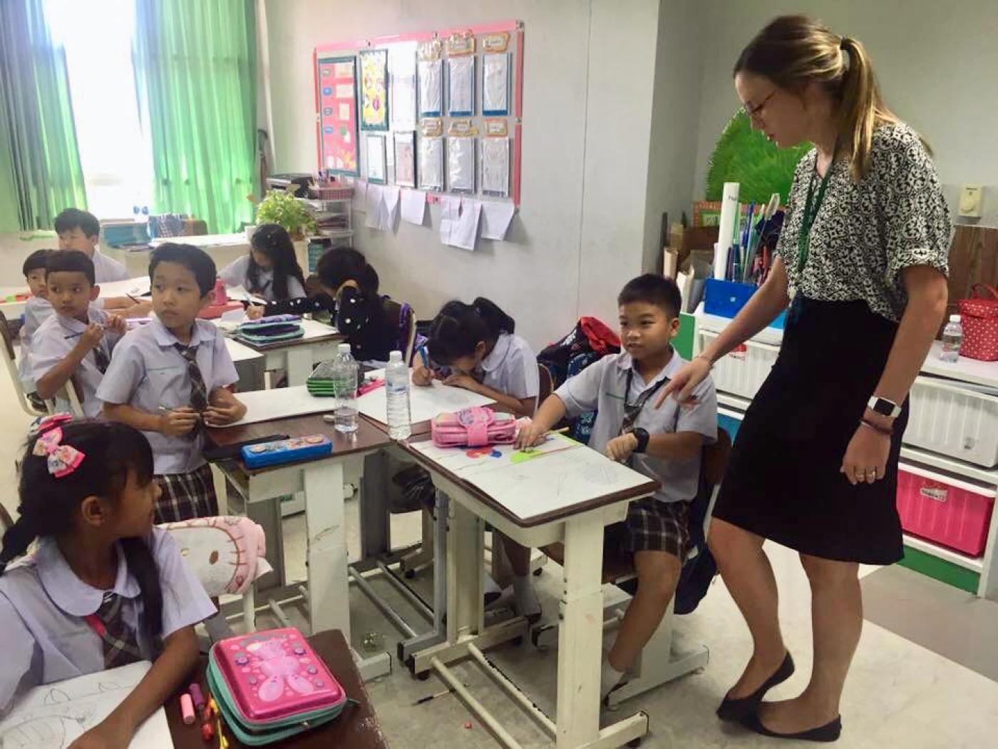 teaching students in thailand