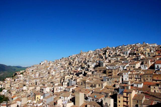 Prizzi Beautiful Village In Sicily Dreamsicilyvillas